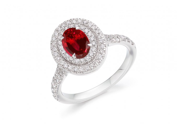 18ct White Gold Ruby & Diamond Oval & Round Brilliant  Cut Cluster Ring 1.41ct