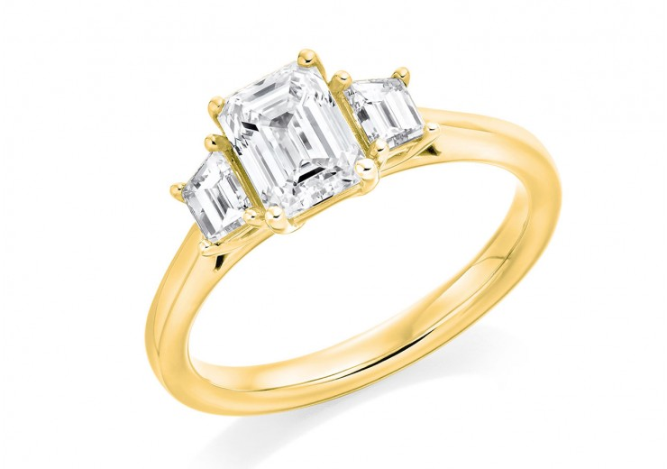 18ct Yellow Gold Emerald & Trapeze Cut Diamond Trilogy Ring 1.41ct