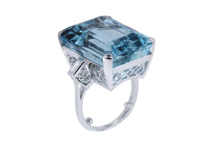 Pre-Owned 18ct White Gold Aquamarine Ring